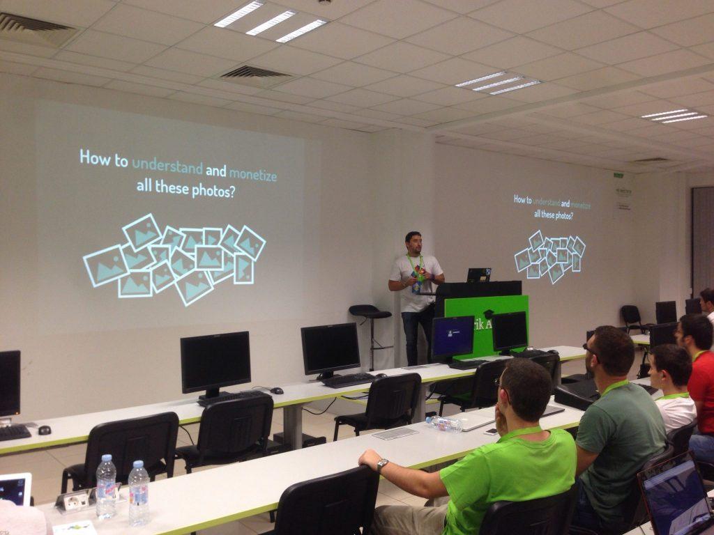 Georgi Presenting @ Telerik Hackathon